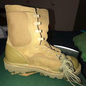 Danner USMC boots size 8.5
